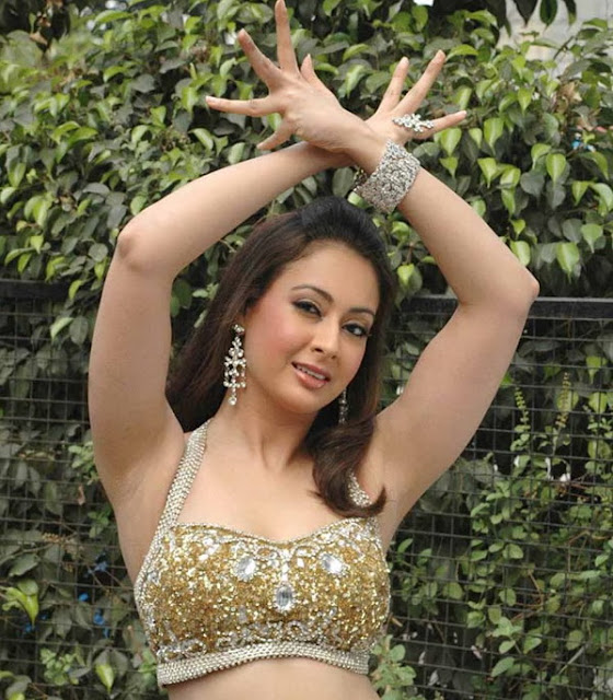 Hot preity zingania